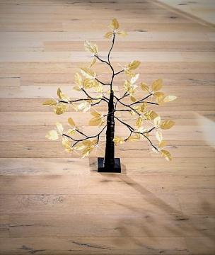 Goldbaum mit 24 LEDs