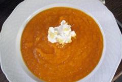 Karottensuppe mit Mango