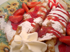 Palatschinken mit Erdbeeren